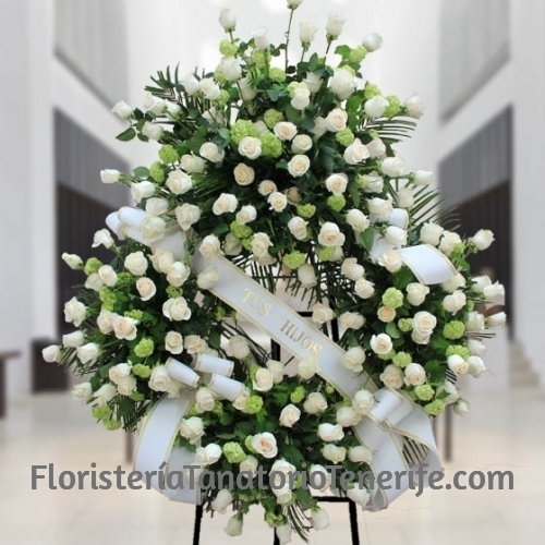 Corona de rosas blancas para Tenerife